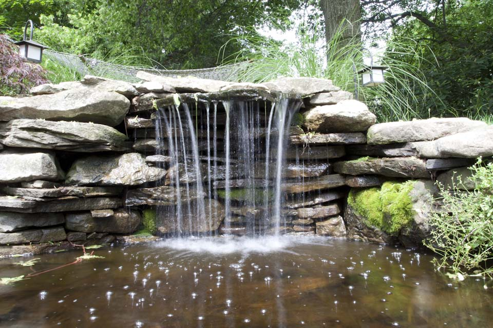 The Many Functions Of Outdoor Water Features Thomas Flint Landscaping